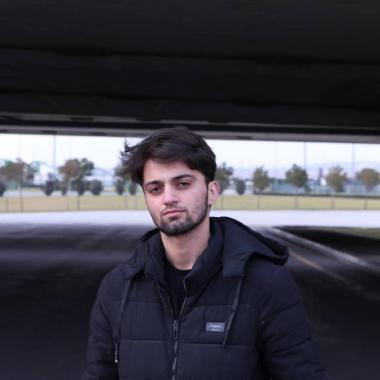 Rəqəmsal Marketing Mütəxəssisi - Həsən Hüseynov