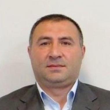 Təsərrüfat İşləri üzrə mütəxəssis - Asif Həsənov